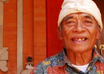 Ketut Liyer, ninth generation Balinese healer. Photo Credit: Katherine Alex.