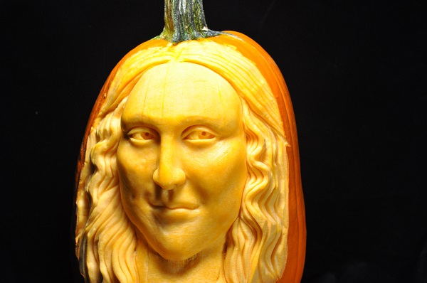 A pumkin carving of the Mona Lisa by Scott Cummins. Photo Courtesy of: Scott Cummins.