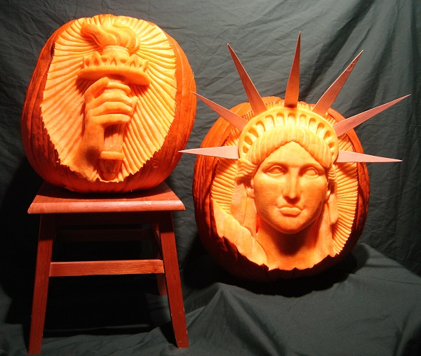 A carving of the Statue of Liberty by Scott Cummins. Photo Courtesy of: Scott Cummins.