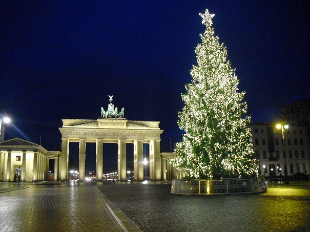 Brandenburg Gate Christmas tree. Photo Credit: Benjamin Mack/GALO Magazine.