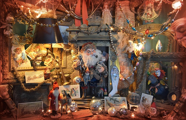 The Rucus Studio Santa display 2013. Photo Courtesy of: Scott Smith/Rucus Studio.