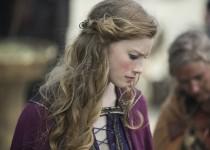 Queen Aslaug (Alyssa Sutherland). Photo Credit: Jonathan Hession/HISTORY Copyright 2015.