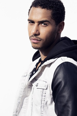 "Actor Elliot Knight stars in ""OUAT."" Photo Credit: Isaac Sterling Photography."