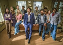 "Pictured: Mackenzie Meehan, Emily Tremaine, Jack Quaid, Juno Temple, Ray Romano, Bobby Cannavale, J.C. Mackenzie, Max Casella, Griffin Newman, P.J. Byrne in ""Vinyl."" Photo Credit: HBO."