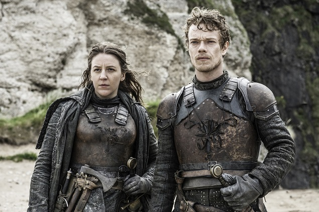 Gemma Whelan as Yara Greyjoy and Alfie Allen as Theon in Season 6 of Game of Thrones. Photo Credit: Helen Sloan/courtesy of HBO.